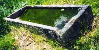 Hand chipped sandstone 'Springhouse Trough'
